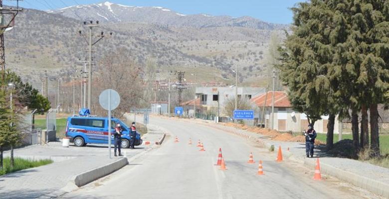 Afyonkarahisar'da 3 bin 300 nüfuslu bir kasaba karantinaya alındı