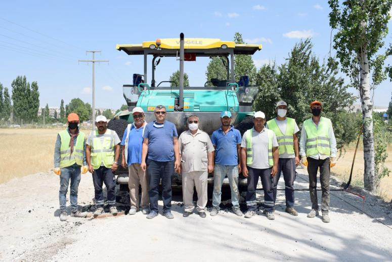 10 bin m2'lik sıcak asfalt çalışması tamamlandı