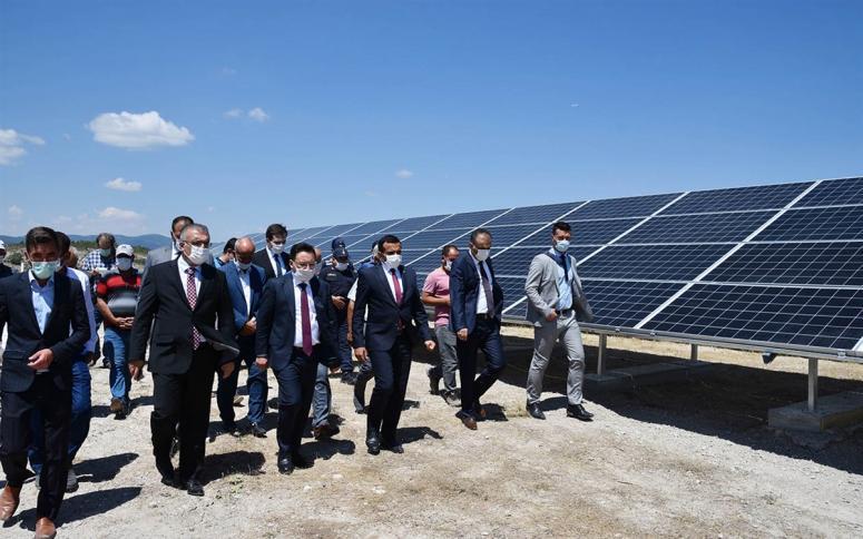 Vali Gökmen Çiçek Derbent Köyü'nde Güneş Enerji Sistemini İnceledi