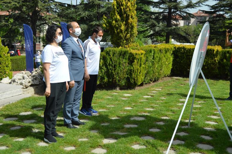 Afyonkarahisar'da, 19 Mayıs Atatürk'ü Anma, Gençlik ve Spor Bayramı düzenlenen törenlerle kutlandı.