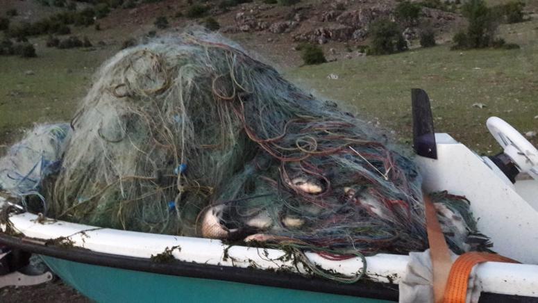 21 bin metrelik balık ağı imha edildi