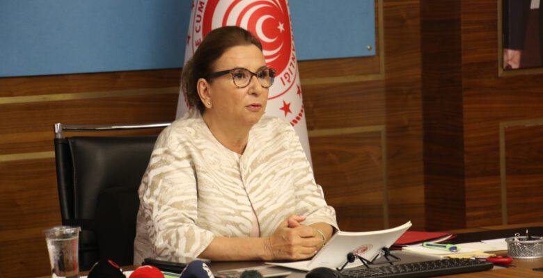 Ticaret Bakanı Pekcan, 'Kooperatifleşme Yolunda Kadın Zirvesi Çalıştayı'na katıldı