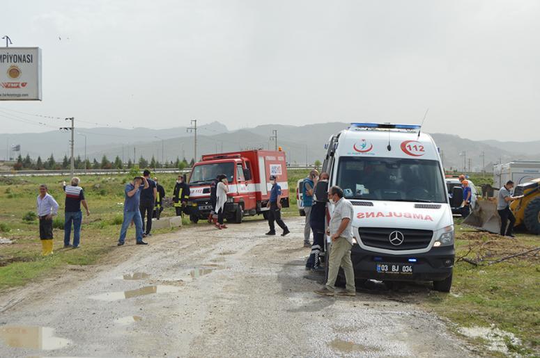 Afyonkarahisar'da atık su inşaatında toprak kayması: 1 ölü