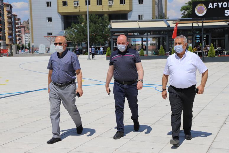 AK Parti 'Sen yoksan bir eksiğiz' sloganı ile üyelik seferberliği başlattı