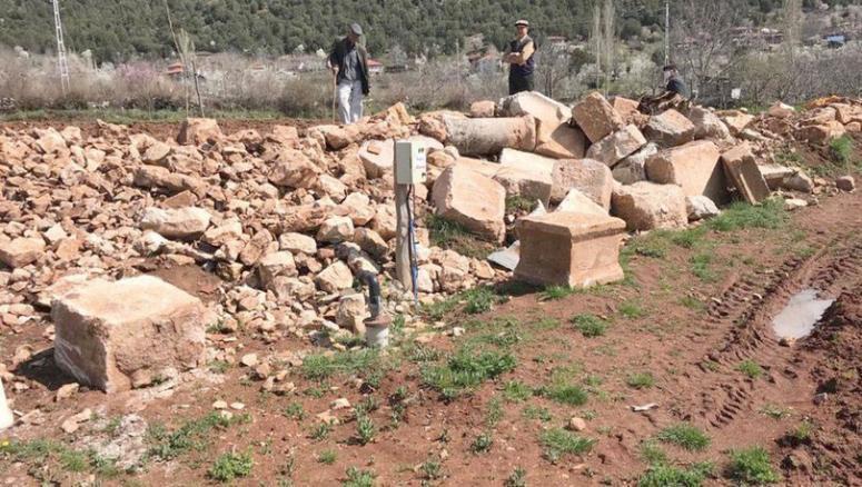 Anıt mezarların olduğu tarla sit alanı oldu