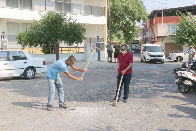 Aydın'da bir vatandaş tapulu arazisinden geçen bulvarı ulaşıma kapattı