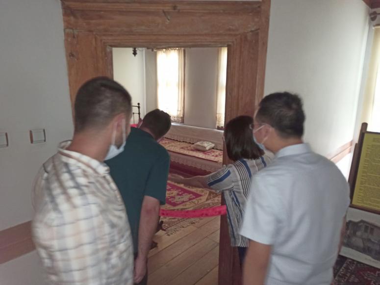 Yabancı turistler Atatürk evine hayran kaldı
