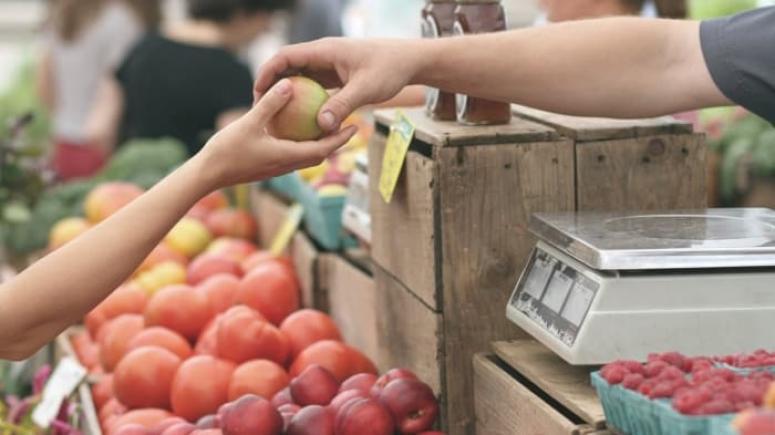 Market alışverişinde koronavirüsten korunmanın yolu