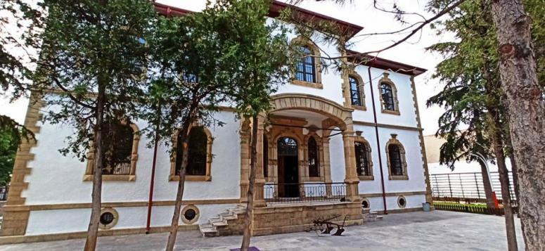 Emirdağ Kültür Evi meraklılarını bekliyor