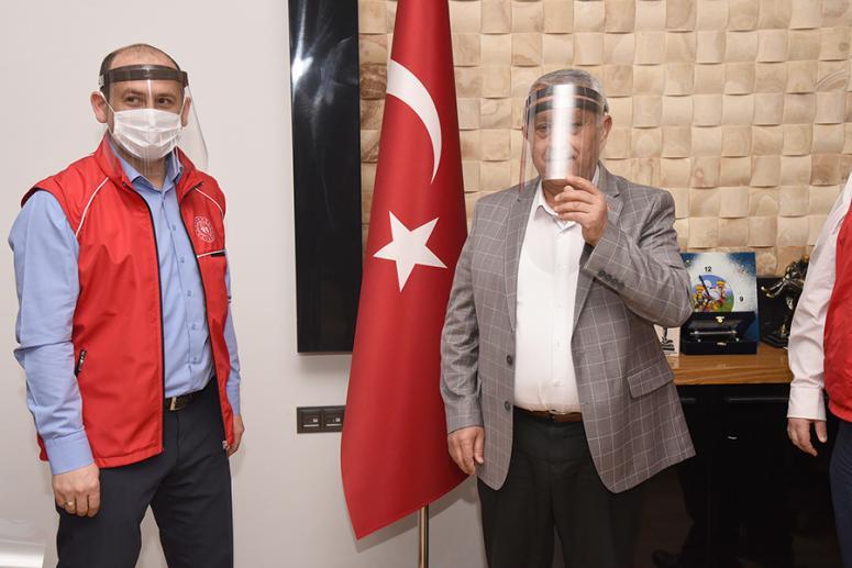 Gençlik Merkezinden 400 adet ücretsiz yüz koruyucu maske