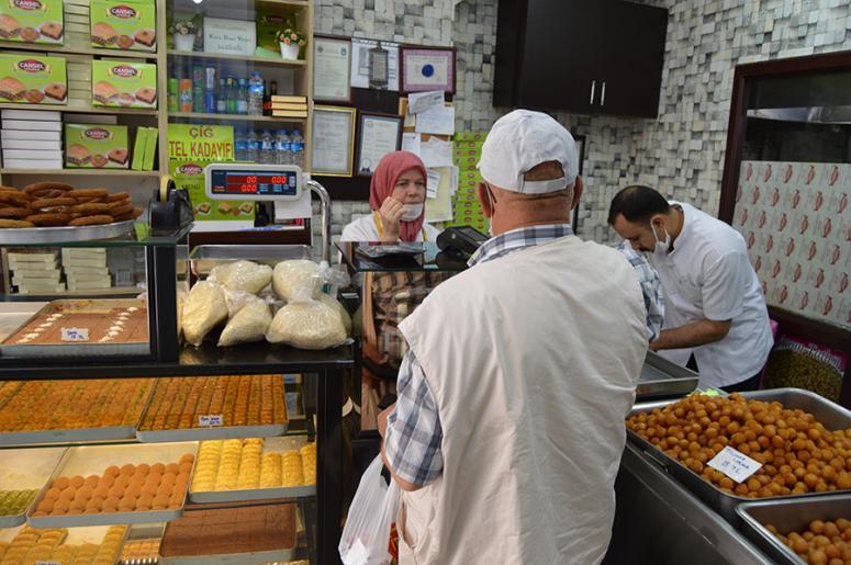 """""""haşhaşlı tatlılar"""" ramazanda yoğun ilgi görüyor"""