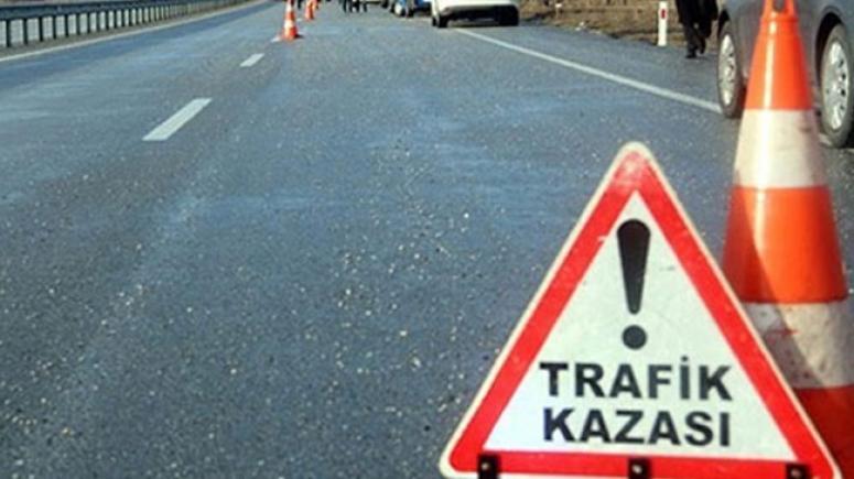 İki otomobil çarpıştı: 2 ölü 3 yaralı
