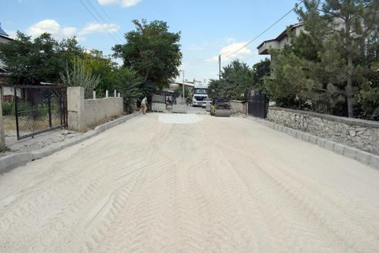 İscehisar'da bozulan yollar yenileniyor