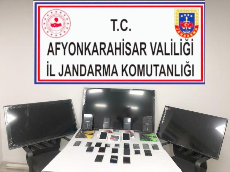 Kaçak yollarla ülkeye sokulan elektronik eşyalara el koyuldu
