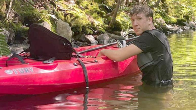 Kanada'da eğitim gören Türk lise öğrencisi, 2 kişiyi boğulmaktan kurtardı