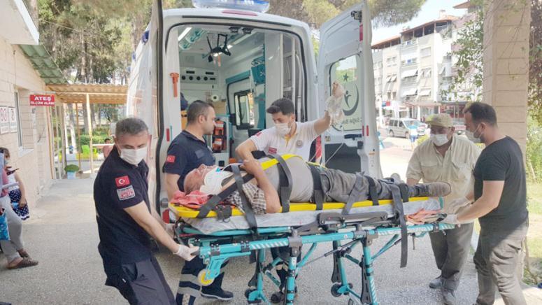 Manisa'da çatıdan düşen işçi yaralandı