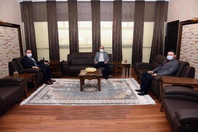 Rektör Karakaş Türk Eğitim-Sen yetkililerini kabul etti