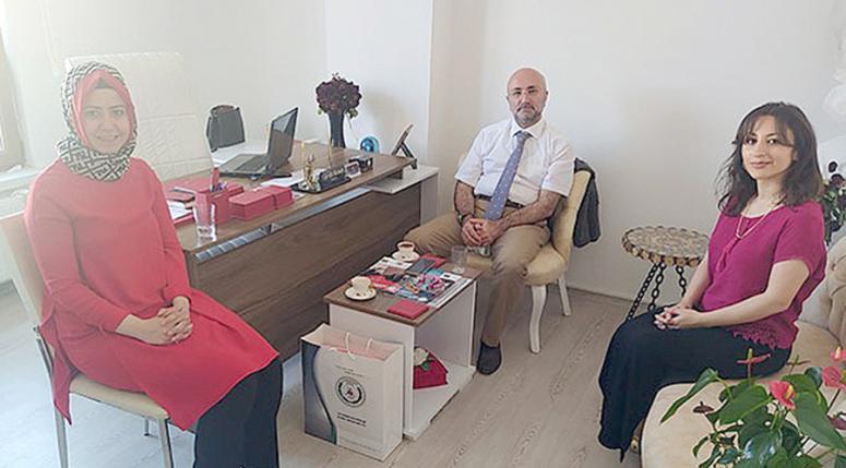 Şahin genç avukatları ziyaret etti