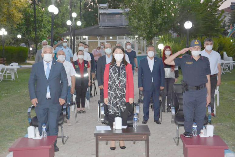 Sinanpaşa Belediyesi 15 Temmuz anma programı düzenledi