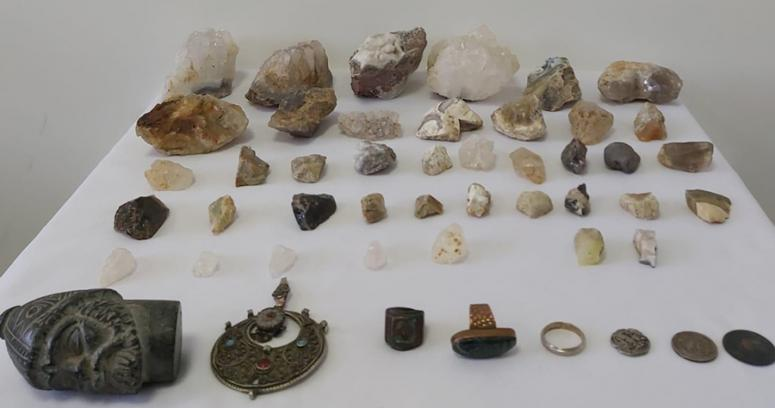Tarihi eser kaçakçılığında 48 parça obje ele geçirildi
