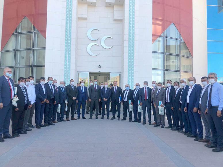 Taytak, MHP'li Belediye Başkanları istişare toplantısına katıldı