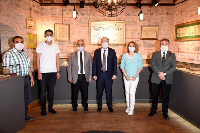 Türk İslam Sanatları Galerisi göz kamaştırıyor