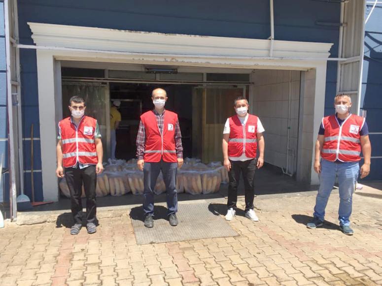 Türk Kızılayı hız kesmeden devam ediyor