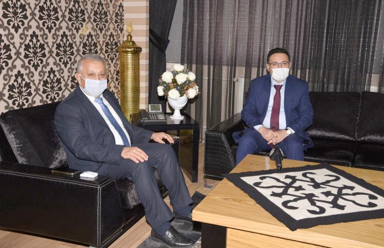 Vali Çiçek'ten Başkan Zeybek'e iade-i ziyaret