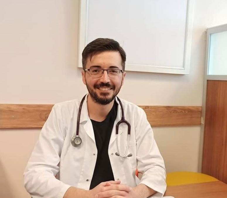 Dinar'a 5 uzman doktor