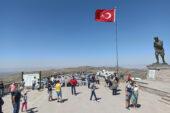 30 Ağustos Zafer Bayramı'nda Kocatepe'ye ziyaretçi akını