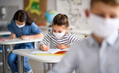 Çocuklardaki en yaygın corona virüs belirtileri açıklandı