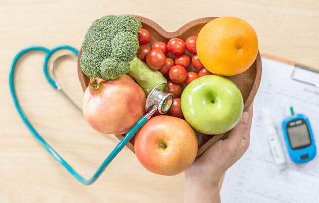 """Kalp hastalığı riskini azaltmak için """"doğru beslenme"""" tavsiyesi"""