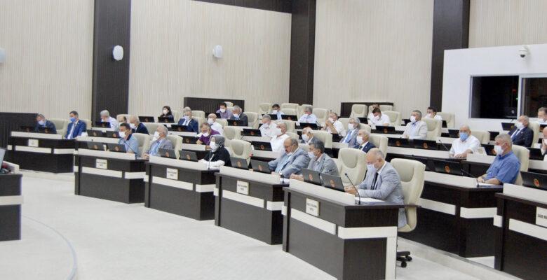 Kararlar oylanarak ilgili komisyonlara sevk edildi
