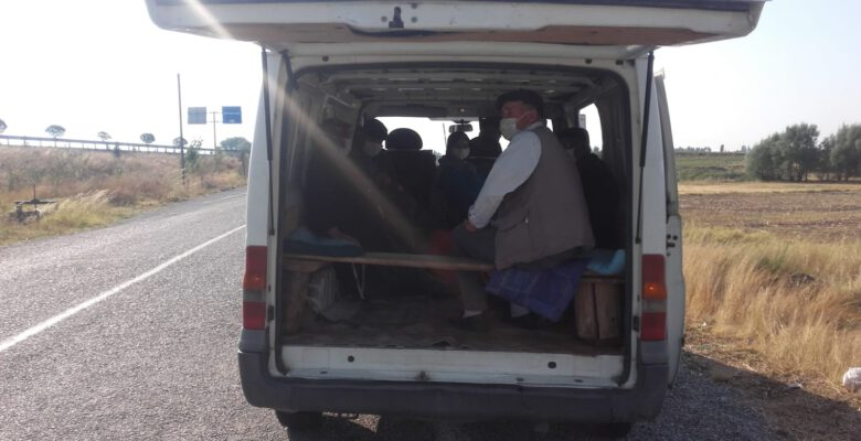 Korsan yolcu taşımacılığı yapan sürücüler yakalandı
