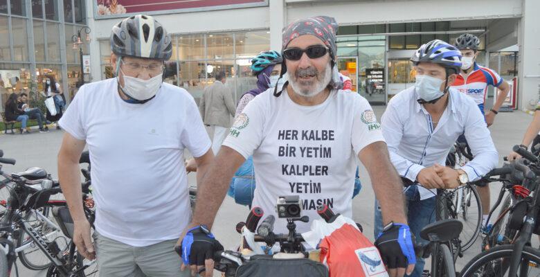 Malatya'dan yola çıkan İHH gönüllüsü Afyonkarahisar'a geldi