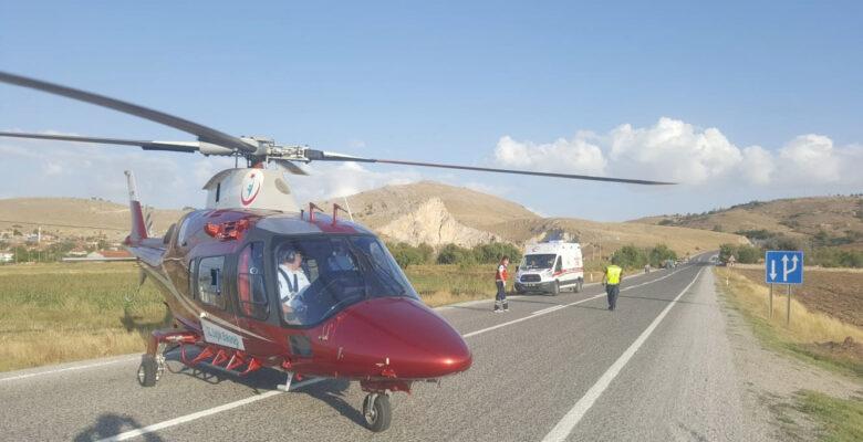 Yaralıları için helikopter karayoluna indi