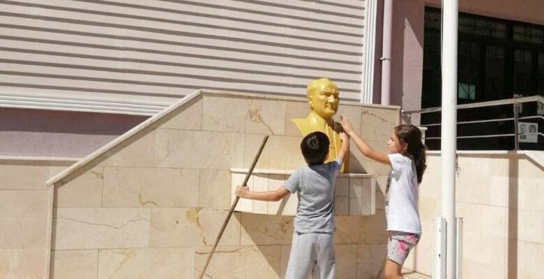 Zafer Bayramı'nın en sıcak görüntüsü Afyonkarahisar'dan
