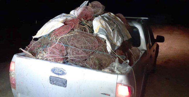 kaçak kerevit avında kullanılan 650 kafesli ağ imha edildi