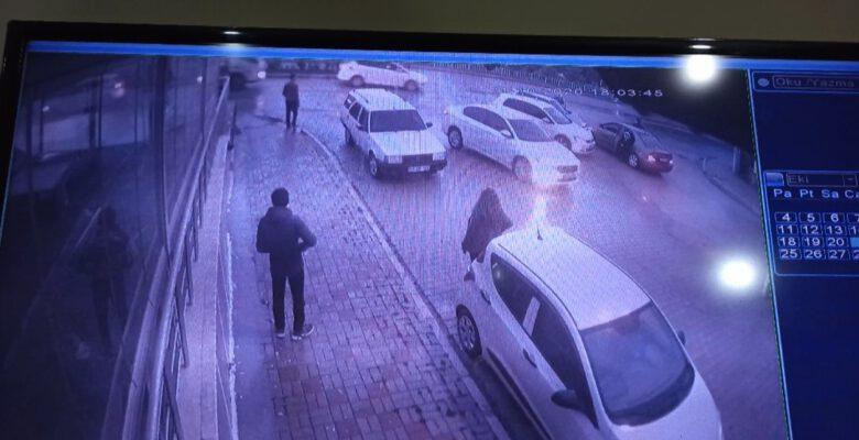 Hırsızlar ne yaptıysa camı kırıp iş yerine giremedi