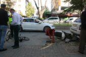 Motosiklet sürücüsü önüne ne çıktıysa çarptı