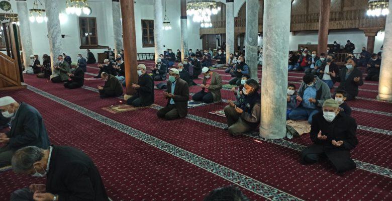 Afyonkarahisar'da Mevlid Kandili huşu içinde geçti
