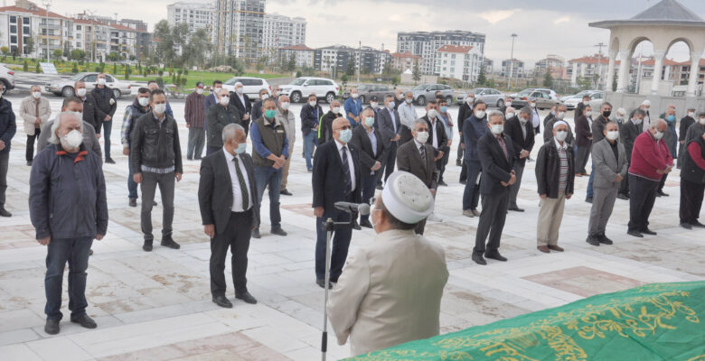Eski Belediye Başkanı Nuri Demirayak son yolculuğuna uğurlandı