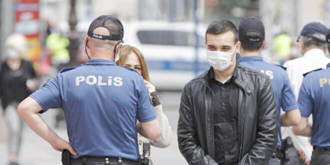 Maske takmayan 9 kişiye 8 bin 100 lira ceza kesildi