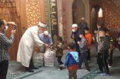 Aileler her cumartesi camide buluşuyor