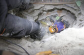 AFAD Afyonkarahisar ekibi deprem bölgesinde çalışmalarını sürdürüyor