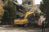 Çavdarhisar'da PTT binası yıkıldı