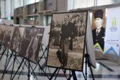 """Atatürk'ün birbirinden güzel fotoğrafları """"Gururla, Özlemle"""" sergisinde"""