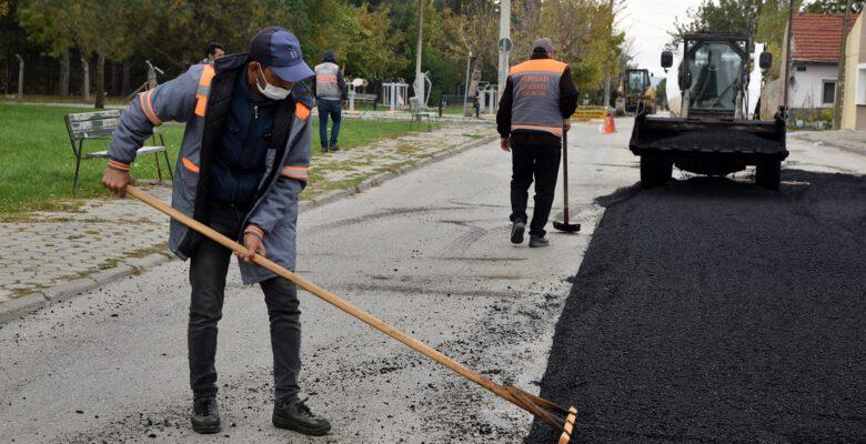 Tepebaşı Belediyesi ekipleri kırsalda ve merkezde çalışmalarını sürdürüyor