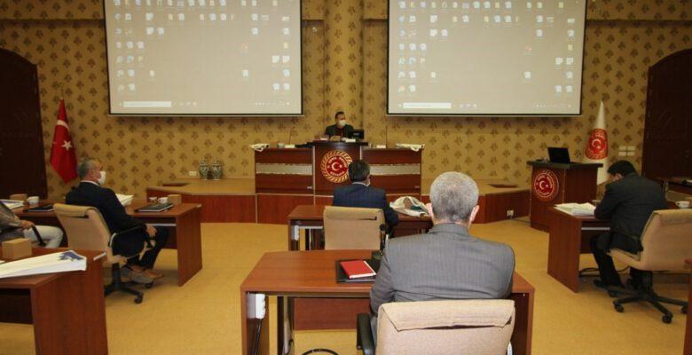 Müdürler, İl Genel Meclisi üyelerine bilgi veriyor