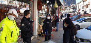 Cadde ve sokaklarda korona virüs denetimi